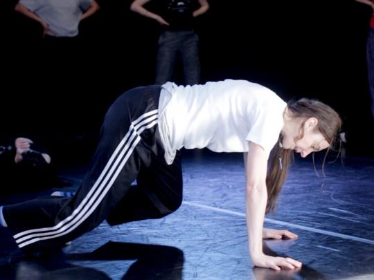 Just Dance - cu Ioana Marchidan Un atelier intensiv de dans contemporan, propus de Linotip pentru inceputul lunii august.